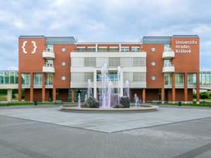 Díky univerzitnímu běhu se vybralo pro samoživitelky z kraje 50 tisíc korun