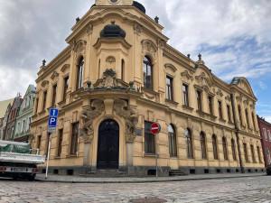 Bývalou historickou knihovnu v Hradci Králové využije biskupské gymnázium