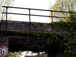 Most v Temném Dole je v havarijním stavu. Vozy nad 20 tun musí po objízdné trase