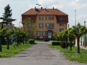 V Převýšově na Hradecku bojují za záchranu historického nádraží