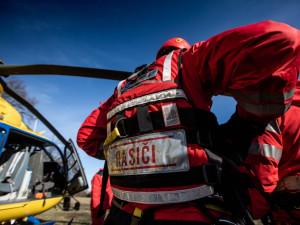 V Labi ve Dvoře Králové se topil muž, na místě zasahoval i vrtulník