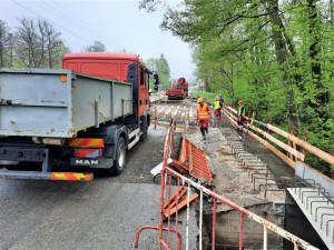 Dnes se uzavřela silnice první třídy z Trutnova do Hostinného. Auta tudy neprojedou půl roku
