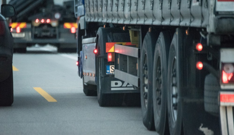 Hradecká radnice začíná pracovat na odklonění nákladních aut z Pouchova. Nutné jsou stavební úpravy