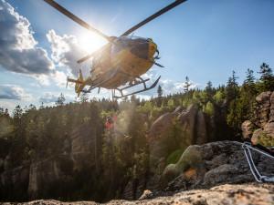 Na Broumovsku zachraňovali horolezce, spadl z patnácti metrů