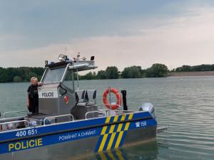 Policisté zahájili hlídky na Rozkoši, jeden z jezdců na vodním skútru už dostal pokutu
