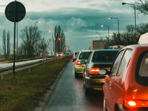 U Hořic na řidiče čeká další omezení. Uzavřou se sjezdy z obchvatu do města