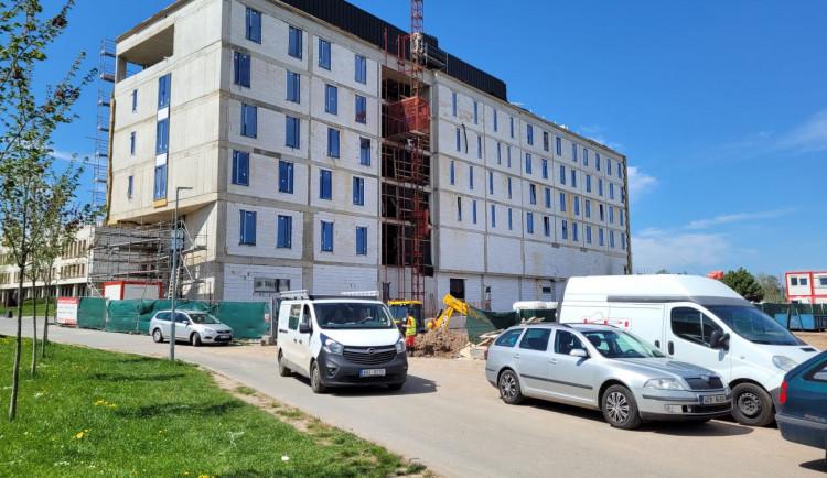 Nový hotel Aldis otevře v dubnu příštího roku, stavba podraží o 10 milionů