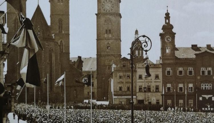 Před 79 lety Hradec sliboval věrnost nacistické Říši