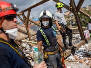 OBRAZEM: Jak vypadal víkend hradeckých hasičů na jižní Moravě? Dnes se bude rozhodovat o finanční pomoci