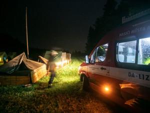 Hasiči kvůli bouři evakuovali dva dětské tábory, tři děti jsou lehce zraněné