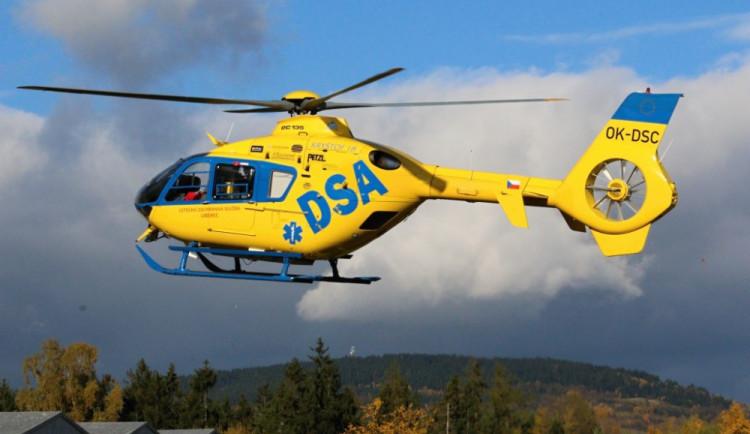 Policisté na Jičínsku pátrali po nezletilé dívce, do akce se zapojil i vrtulník