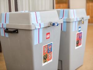 Do sněmovních voleb bude v Hradeckém kraji kandidovat 17 uskupení. O sedm méně než posledně