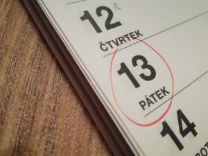 Dnes je pátek třináctého. Je třeba se skutečně bát smůly a neštěstí?