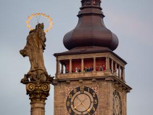 Ochoz Bílé věže v Hradci Králové dostane pletivo. Má odradit sebevrahy