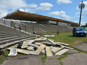 Je třeba získat povolení na změnu stavby stadionu. Probíhá dokončení a kontrola projektové dokumentace