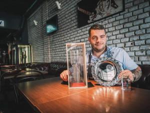 Barmanství je poslání, tvrdí Filip z Hradce Králové. Stal se třetím nejlepším barmanem České republiky