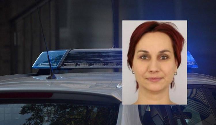 Policie pátrá po ženě z Rychnovska. Nikomu nic neřekla a odešla z domova