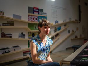 V Česku chybí systémová pomoc od státu, říká ředitelka iniciativy zabývající se plýtváním jídlem Anna Strejcová