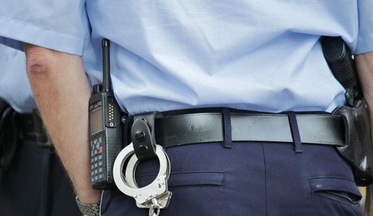Muž, který na Trutnovsku obtěžoval děti, se na policii přihlásil sám