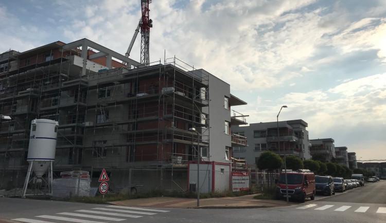 Novostavby jen pro bohaté? Vlastní bydlení v Hradci je čím dál větší problém