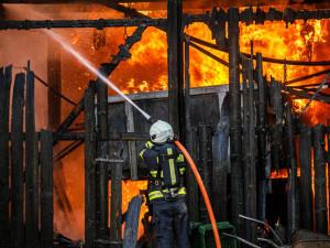 V hradeckých Kuklenách hořel statek. Odhadovaná škoda je přes dva miliony korun
