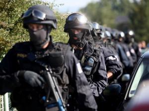 Pro dealery drog v Hradci Králové si přišla policie. Prodali zhruba kilogram pervitinu