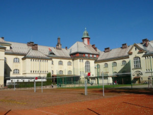 Gymnázium ve Vrchlabí jako první veřejná škola v Česku nabízí americkou maturitu