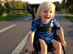 V Kostelci nad Orlicí se složili malému Zdendovi na doplacení vozíku. Zdenda bojuje se spinální muskulární atrofií