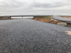 Vyzkoušejte D11 u Smiřic: můžete zdolat šest kilometrů na bruslích nebo na kole