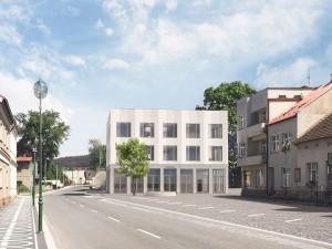 Stavba nové radnice v Lázních Bělohrad je v půlce. Náměstí je skoro hotové