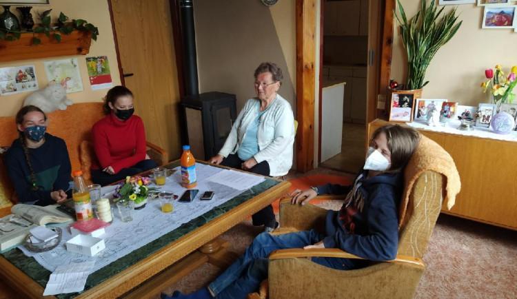 Žáci na Broumovsku natočili vzpomínky místních pamětníků