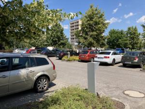 Parkovací dům u nemocnice v Hradci Králové by měla zaplatit okolní města. Krajský úřad se pustil do vyjednávání