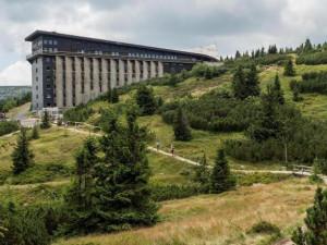 Labská bouda v Krkonoších dostane nový plášť z izolace, palubek a kovových plátů