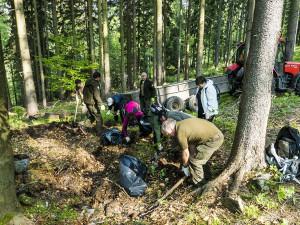 Po nás potopa. Dobrovolníci sesbírali po turistech v Krkonoších tři a půl tuny odpadků
