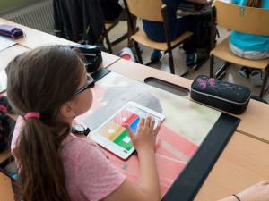 Situace ve školách hradeckého kraje je nadále klidná. V karanténě jsou tři třídy