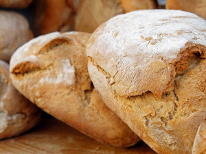 Čeká nás průvan v peněžence. Výrobci potravin se chystají citelně zdražit. Připlatíme si i za chleba