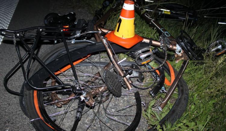 Cyklista na Trutnovsku nepřežil srážku s osobním autem