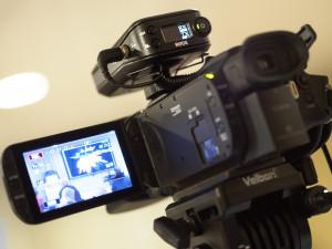 Středoškoláci v roli filmařů. V rámci soutěže chtějí školu ukázat svýma očima