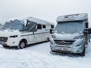 I letos Malá Úpa zakáže zimní nocování v zaparkovaných autech. Chce zabránit nájezdům karavanů