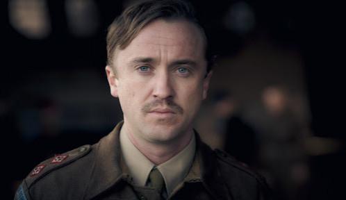 Ve druhé světové válce bojuje Draco Malfoy, v komunistickém Polsku zase vraždí gaye