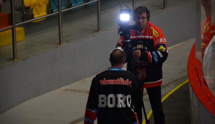 FOTOGALERIE: Hradečtí hokejisté jsou druzí v tabulce, porazili Karlovy Vary