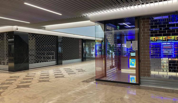 GALERIE: Po rekonstrukci otevřený obchodní dům Atrium