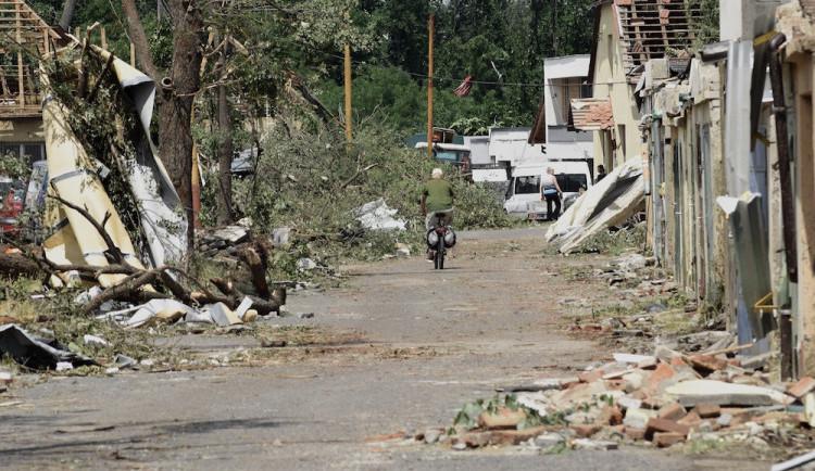 GALERIE: Následky řádění tornáda na Břeclavsku a Hodonínsku