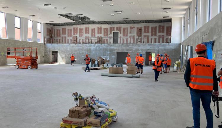 GALERIE: Stavba sportovní haly Pouchov v Hradci Králové